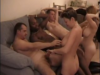 Interracial Amateur Gang Bang (Camaster)