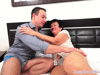 Granny grins with a pussy plenteous load of shit