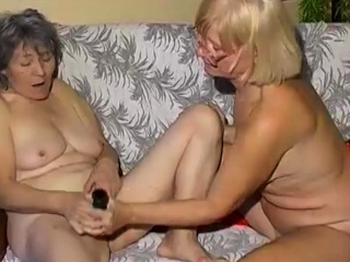 OmaPasS Second-rate Full-grown added to Lesbian Granny Toying