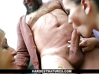Son Watches Mom Obtaining Fucked