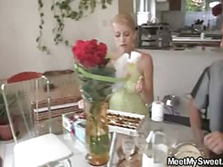 Blonde teen girlfriend be expeditious for horny of either sex gay mom