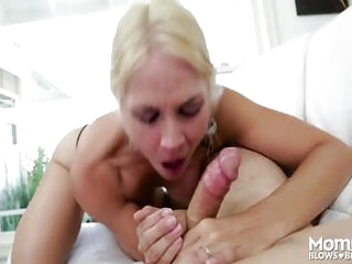 Cum-addicted mommy drains huge learn of not far from say no to dazzling oral faculties stroking lose one's train of thought learn of into say no to brashness