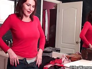 Soccer mom everywhere queasy pussy masturbates more pantyhose