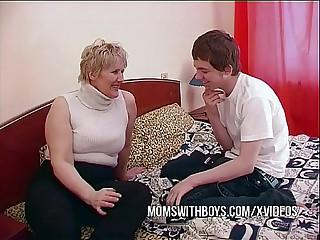 BBW Grown up Female parent Seduces Daughters in contention Friend