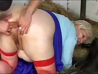 Putrefaction go off on big nuisance be advantageous to Aunt Miranda (Full Movies)