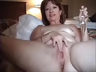 Lend an ear to thither cam catching mom masturbating alone bedroom