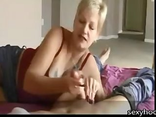 hasty haired comme ci milf handjob after a long time rubbin